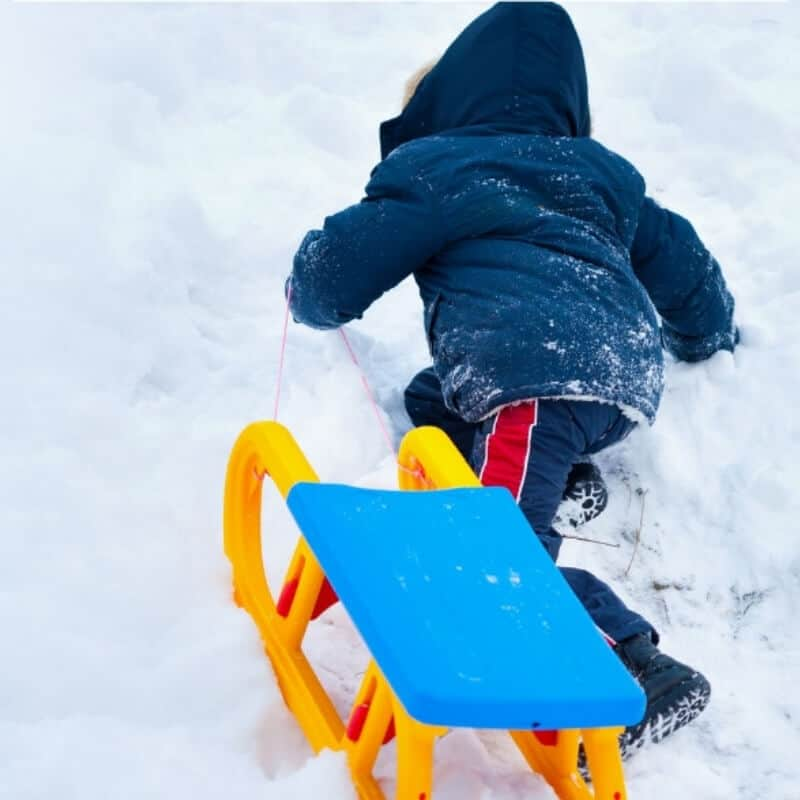 How to Dress Kids for Playing in the Snow to Keep Them Warm and Dry