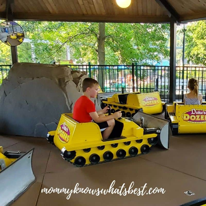 age for dutch wonderland rides