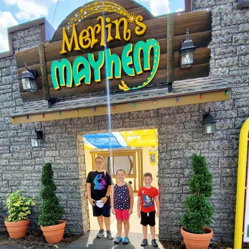 entrance Merlins Mayhem Dutch Wonderland new coaster
