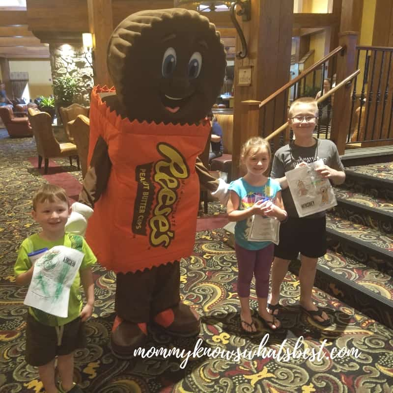 Hershey Character Appearances at Hershey Lodge : Reese's Peanut Butter Cups